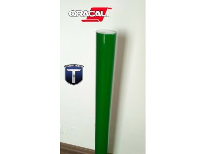 068 travovo zelena oracal folia na svetla 8300 TaishiFolie