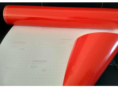Červená 031 lesklá fólia Oracal 641 100x100cm