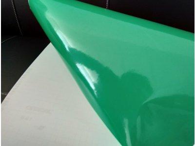 Trávová zelená 068 lesklá fólia Oracal 641 100x100cm