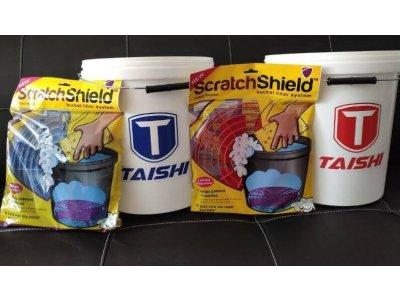 Dve vedrá Taishi so separátormi ScratchShield